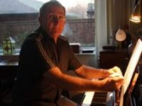 Simon Ballard, GBSM LRAM LGSM ABSM ARCM (piano)